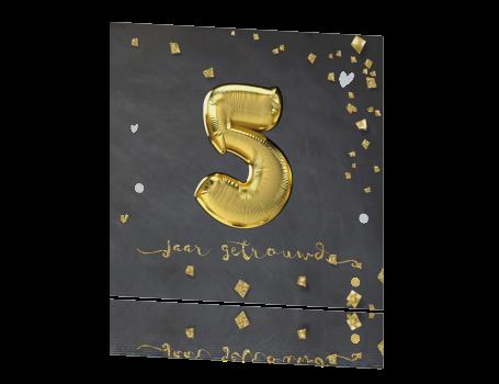 5 jaar getrouwd symbool Folie ballon cijfers 5 jaar getrouwd uitnodiging krijtbord met goud 5 jaar getrouwd symbool